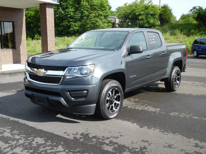 16ChevroletColorado-002