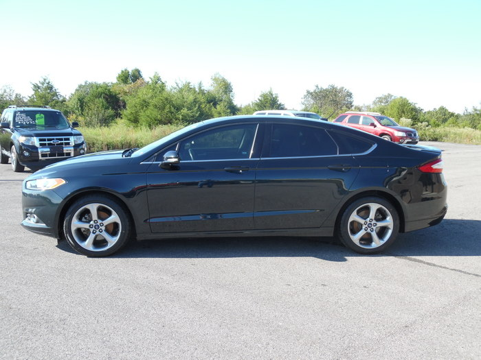 14FordFusionSE6speed-003