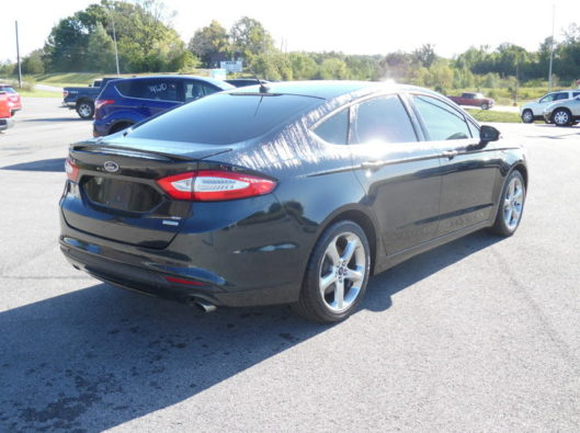 14FordFusionSE6speed-006