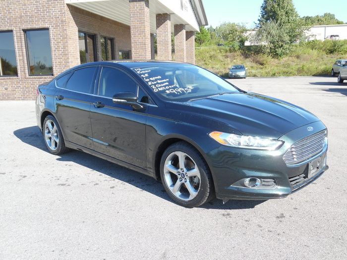 14FordFusionSE6speed-008
