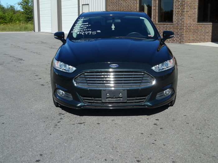 14FordFusionSE6speed-01