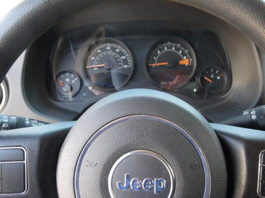 16-Jeep-Compass-012