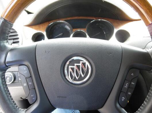 10-Buick-Enclave-012