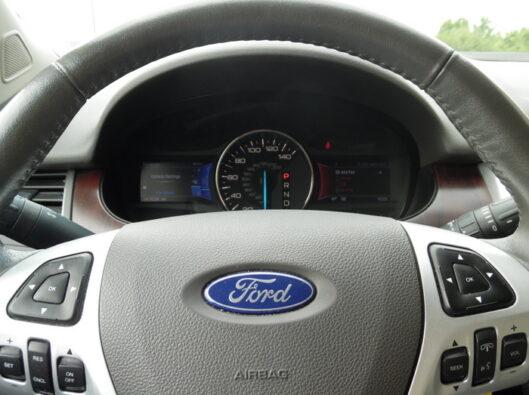 13-Ford-Edge-012